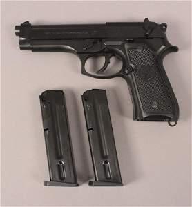 Beretta 92 FS 9MM Semi Automatic Pistol with Case