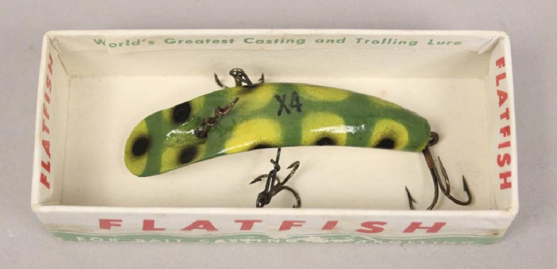 Helin Flatfish Frog Color Fishing Lure in the Box