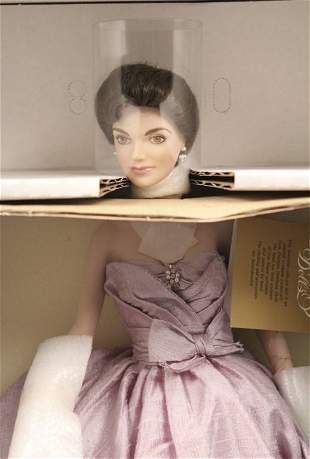 Franklin Heirloom Doll Jackie Kennedy in the Box