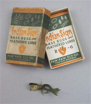 Rarely Seen Paw Paw Frog Lure in the Box