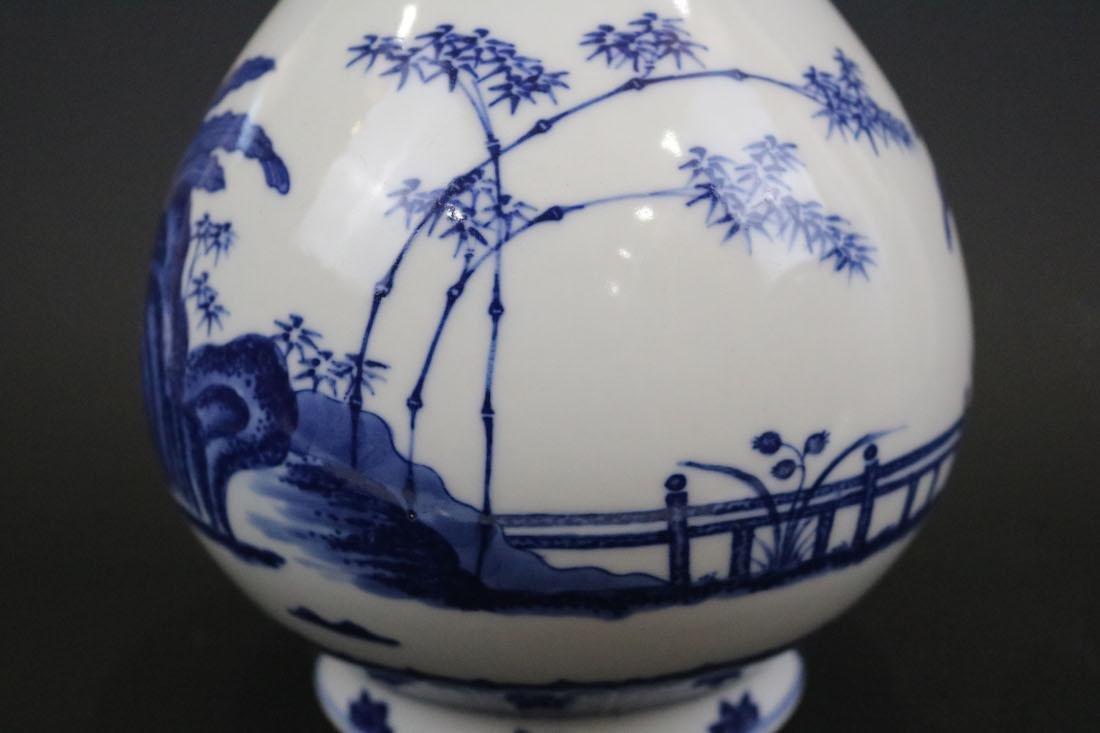 Qianlong Mark,A Blue And White Yuhuchun Vase - 3