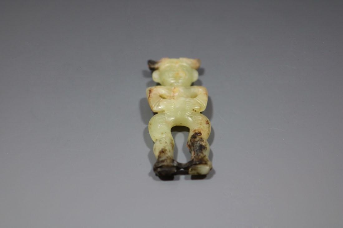 A Hetian Celandon Jade Human-Form Pendant, Shang - 3