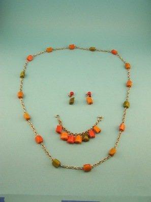 "19: Marvella Bakelite 4 pc set! 54"" necklace!"