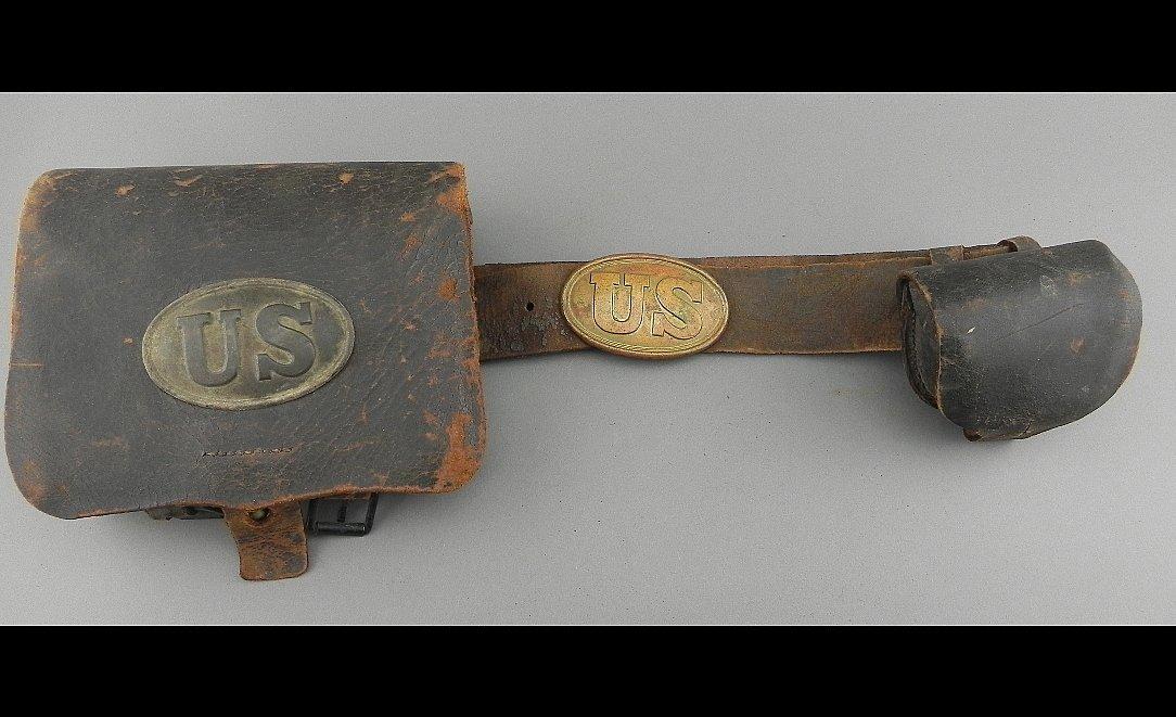 1864 Watertown Arsenal Cartridge box, Large cartridge b