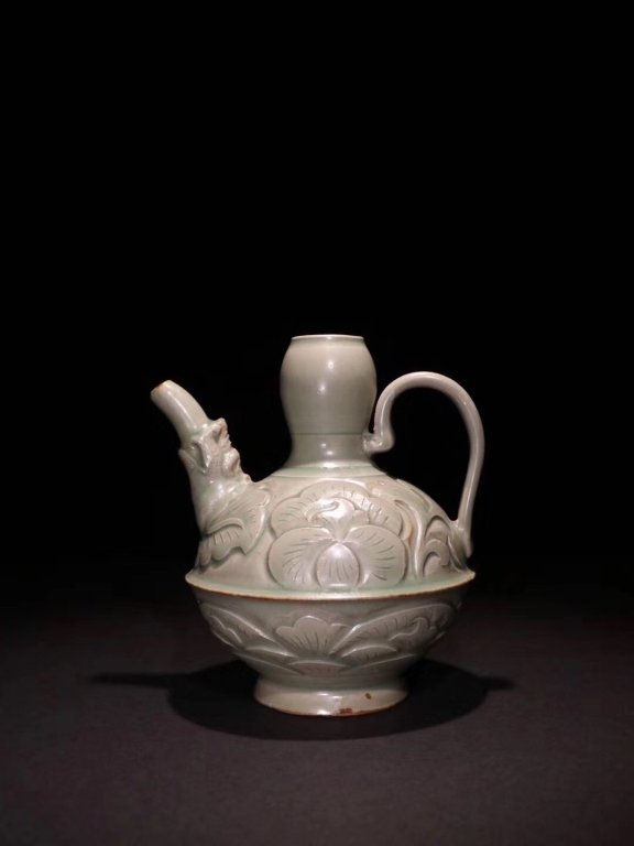 Song Chinese Longquan Wine Pot .
