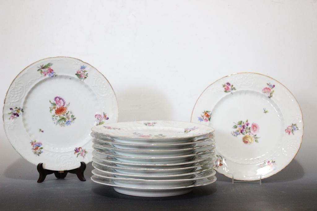 12 Pc. Porcelain Dinner Plates