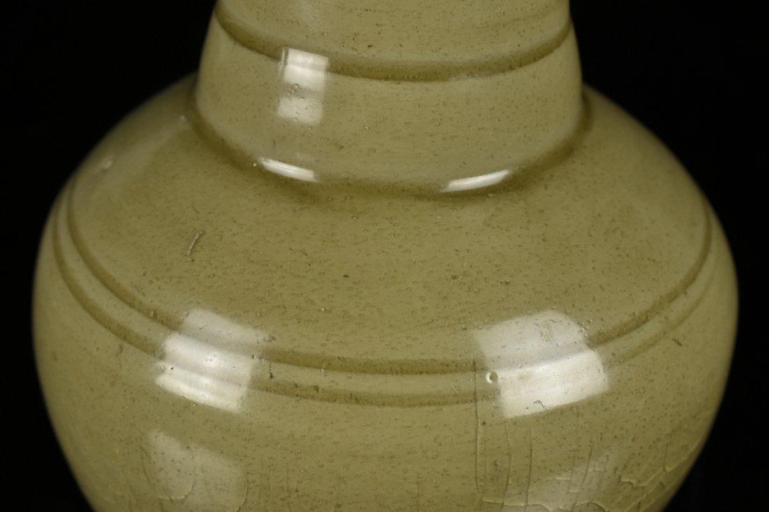 Chinese Song Celadon Yue Kiln Vase - 5