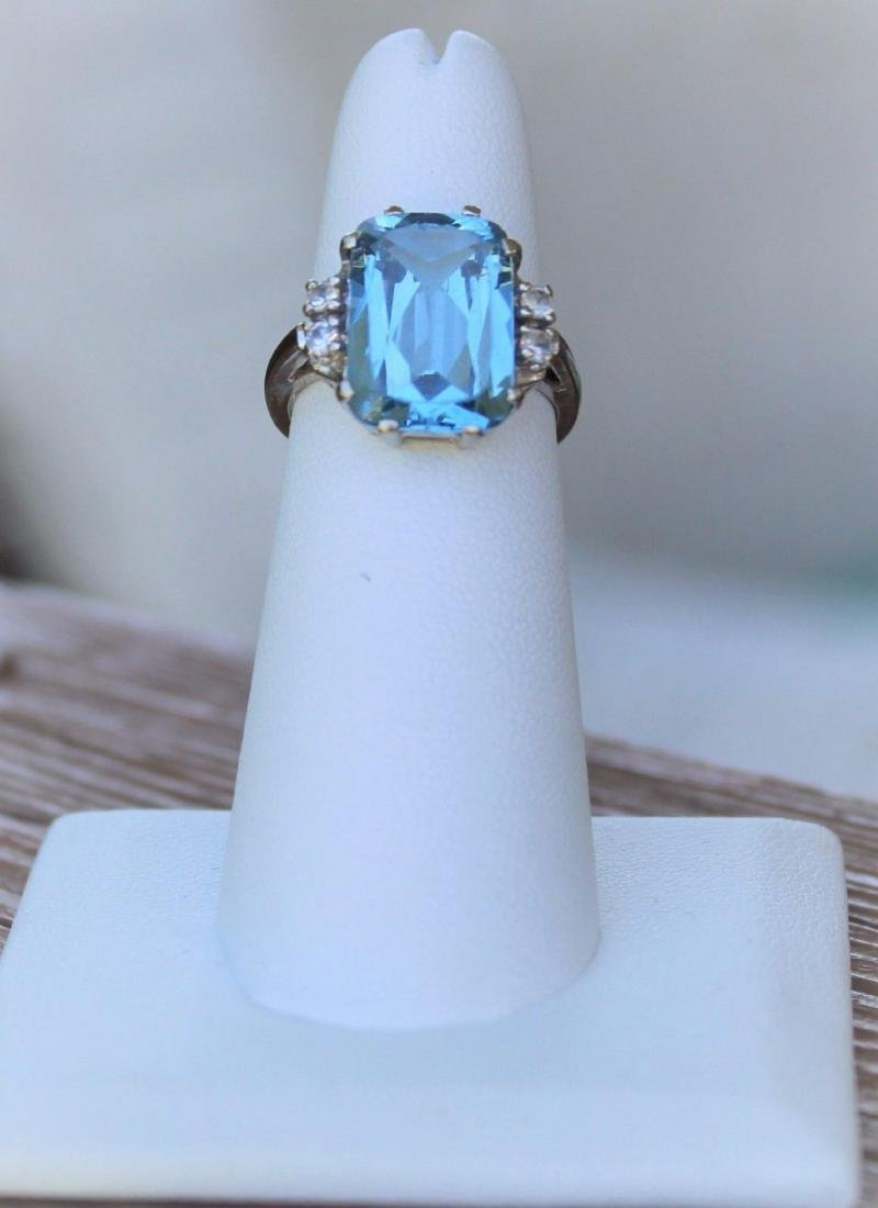 Vintage 10k White Gold Blue Topaz Emerald Cut Ring Sz 6