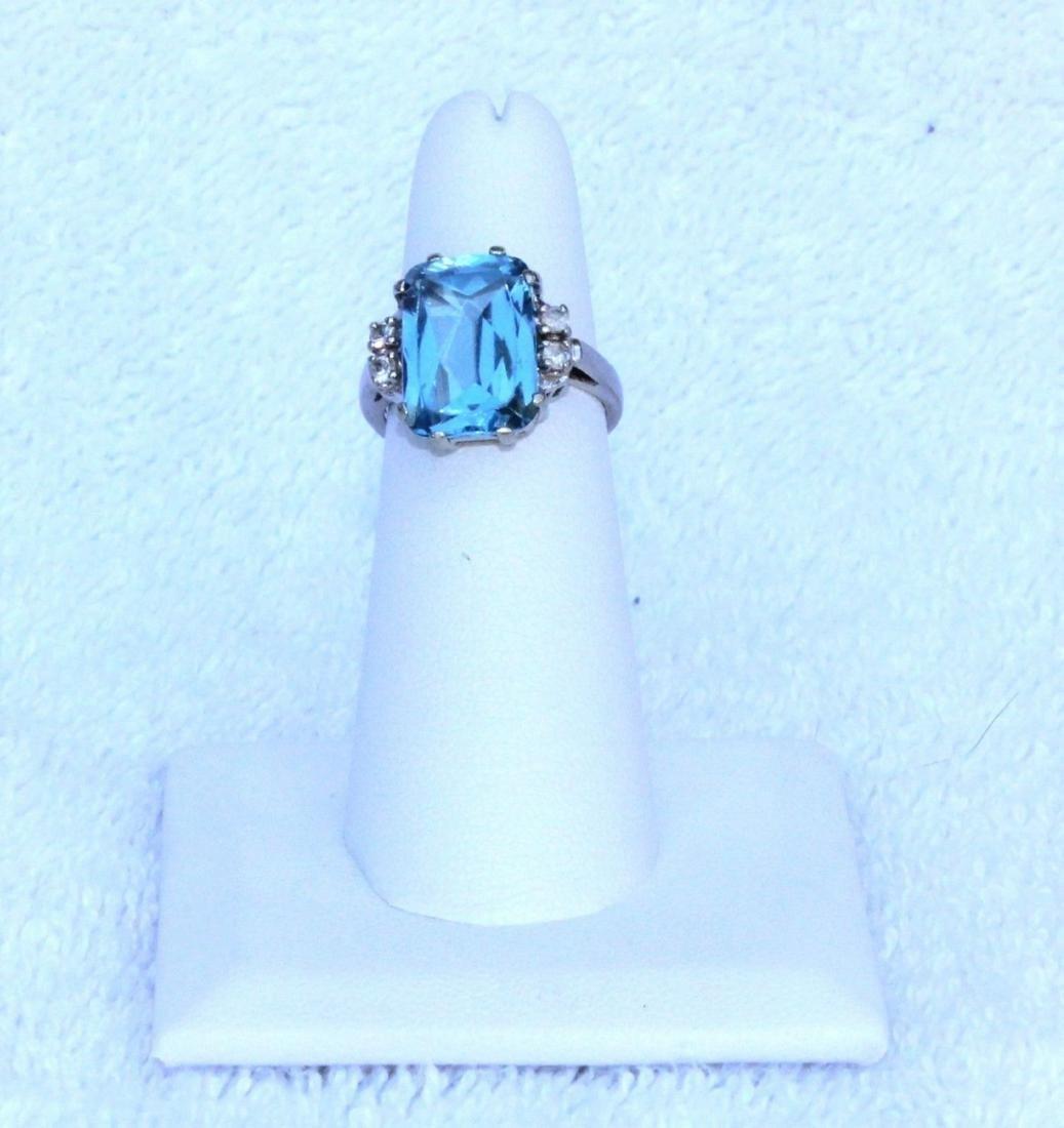 Vintage 10k White Gold Blue Topaz Emerald Cut Ring Sz 6 - 7