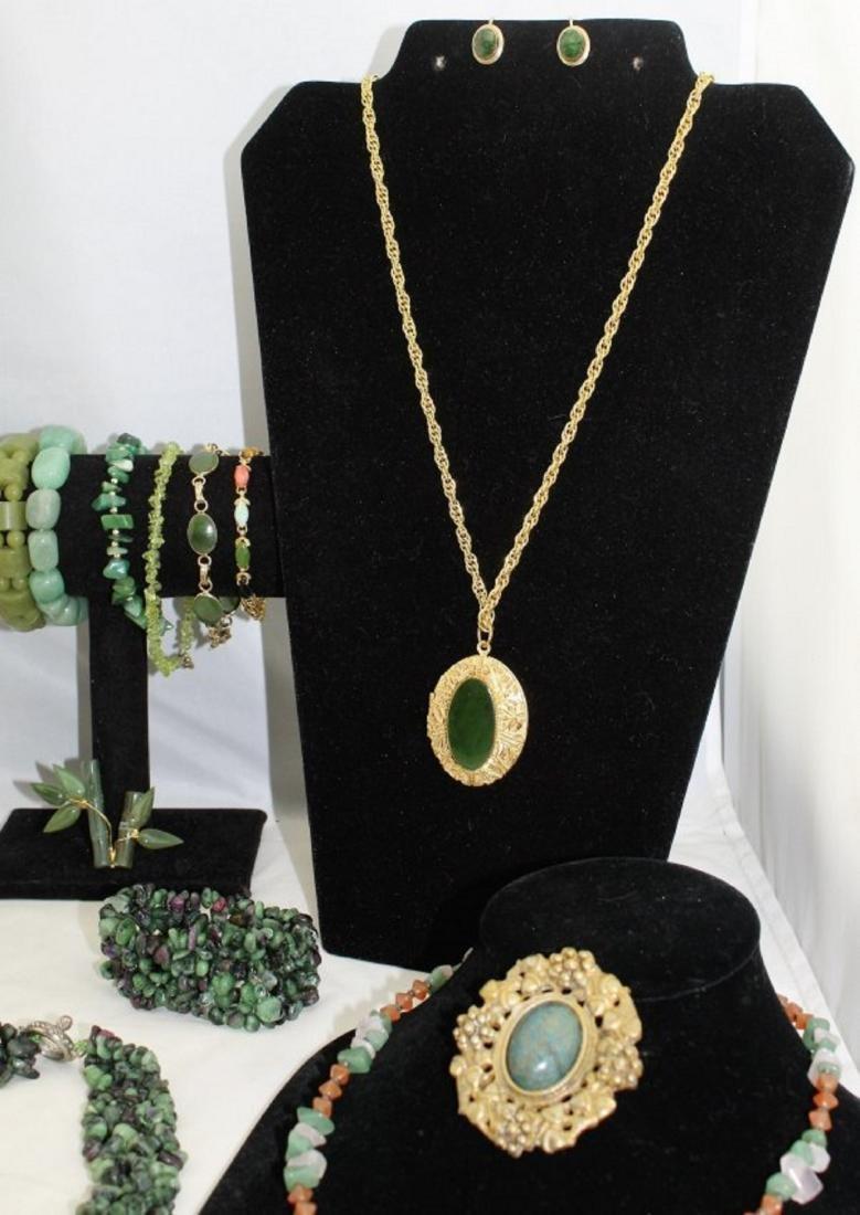 Jade Emerald Chrysoprase Aventurine Jewelry Lot - 3