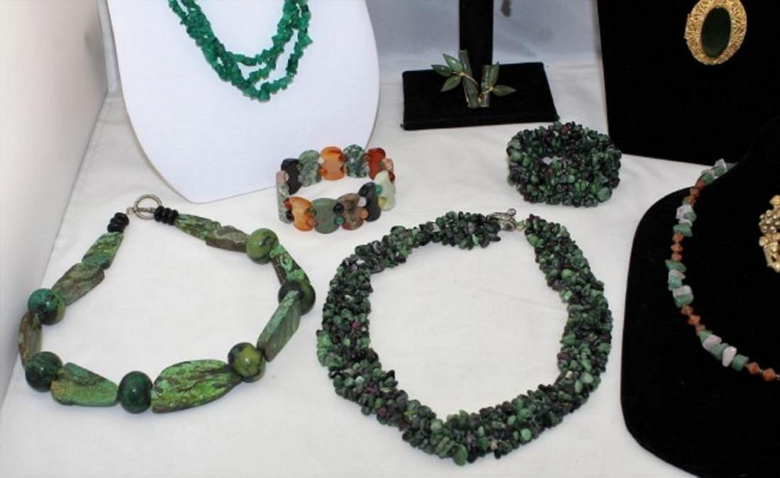 Jade Emerald Chrysoprase Aventurine Jewelry Lot - 4