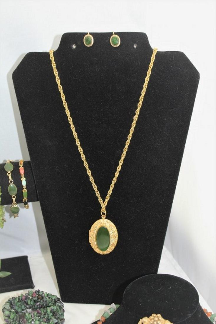 Jade Emerald Chrysoprase Aventurine Jewelry Lot - 6