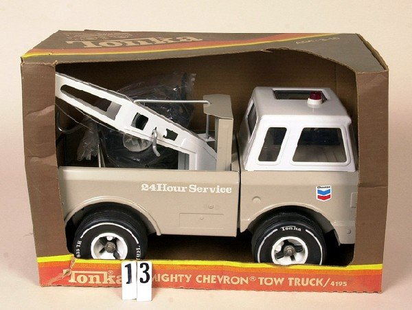 13: Mighty tonka Chevron tow truck in box