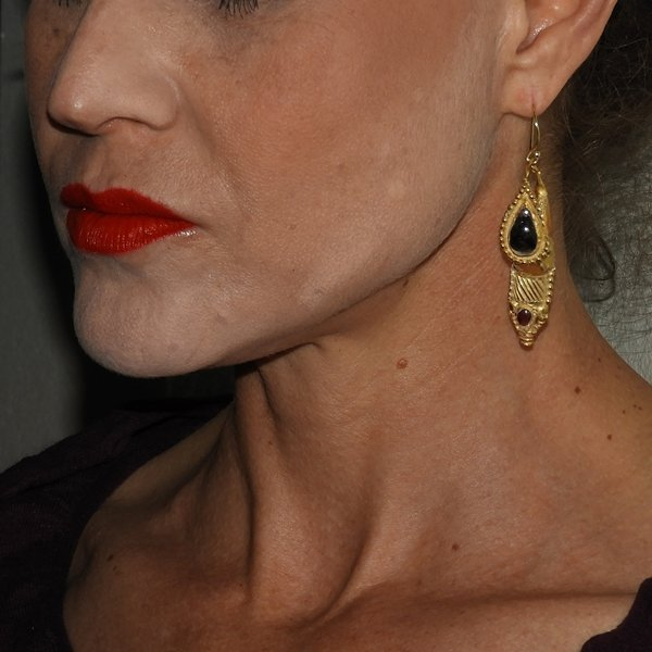 LARGE ANCIENT ROMAN GARNET GOLD EARRINGS 4TH C AD