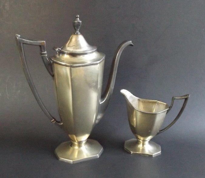 Set stream line coffee pot and creamer, 1920s Homan