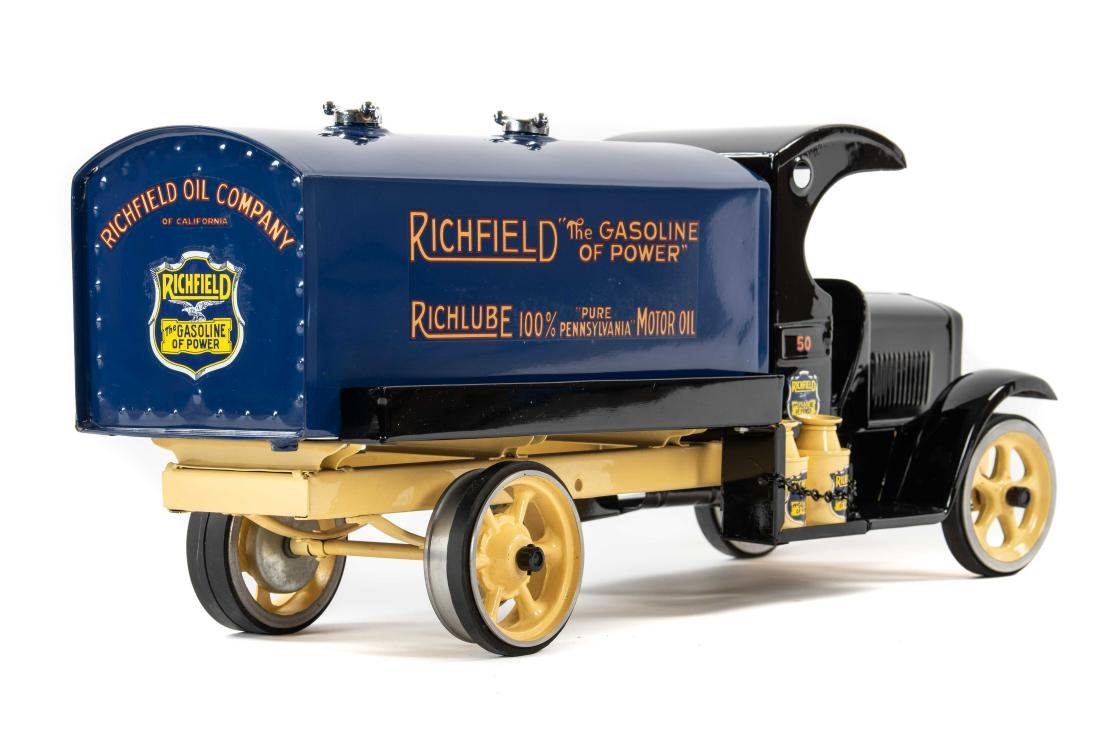 Richfield Pressed Steel Tanker Truck - 6