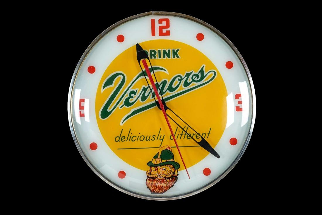 Drink Vernor's Lighted Clock