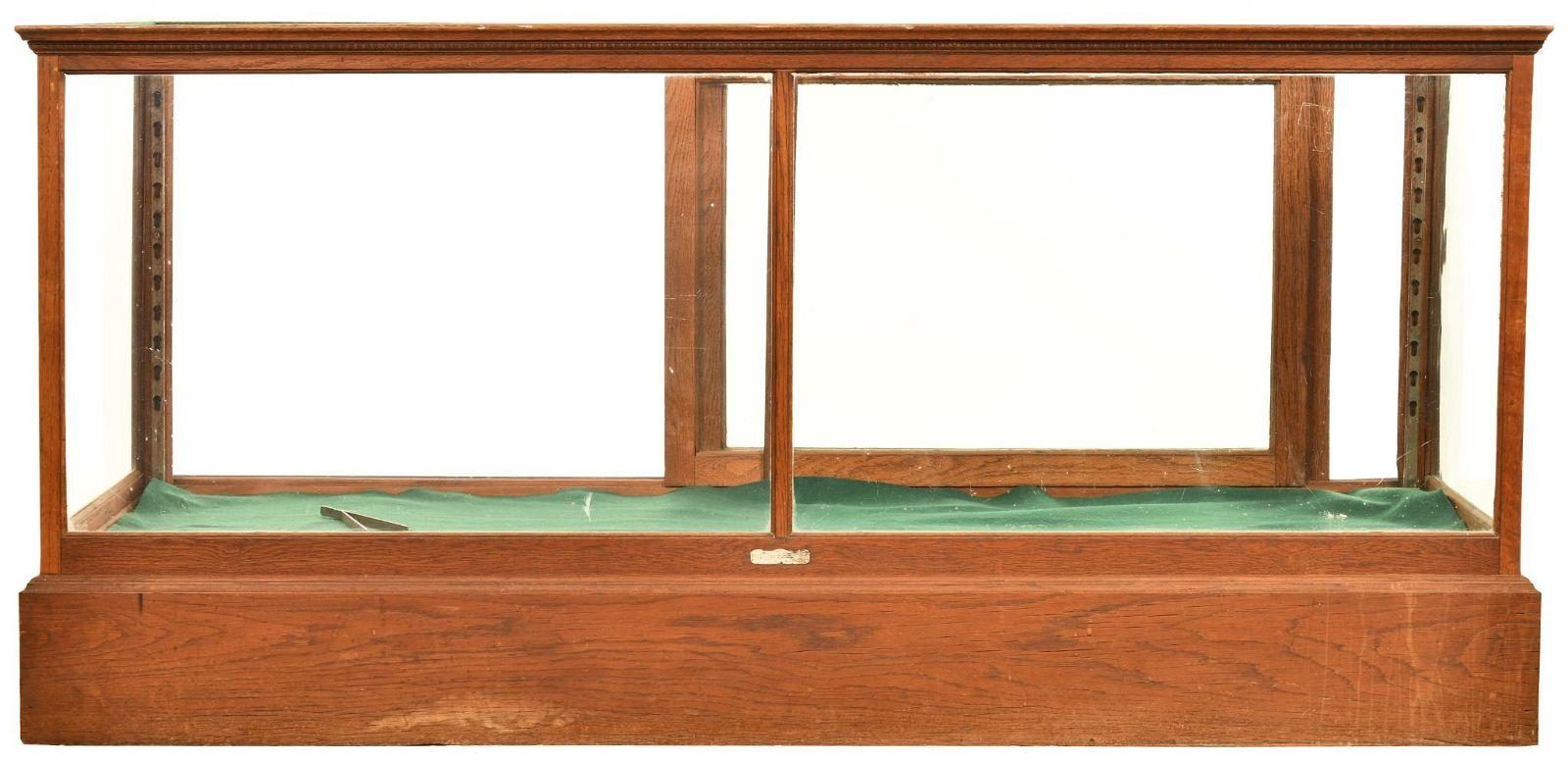 Oak Countertop Show Case