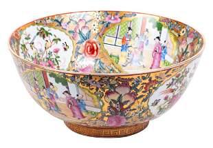 Large Decorative Chinese Rose Medallion Bowl