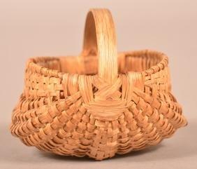 Fine Miniature White Oak Splint Ribbed Basket.