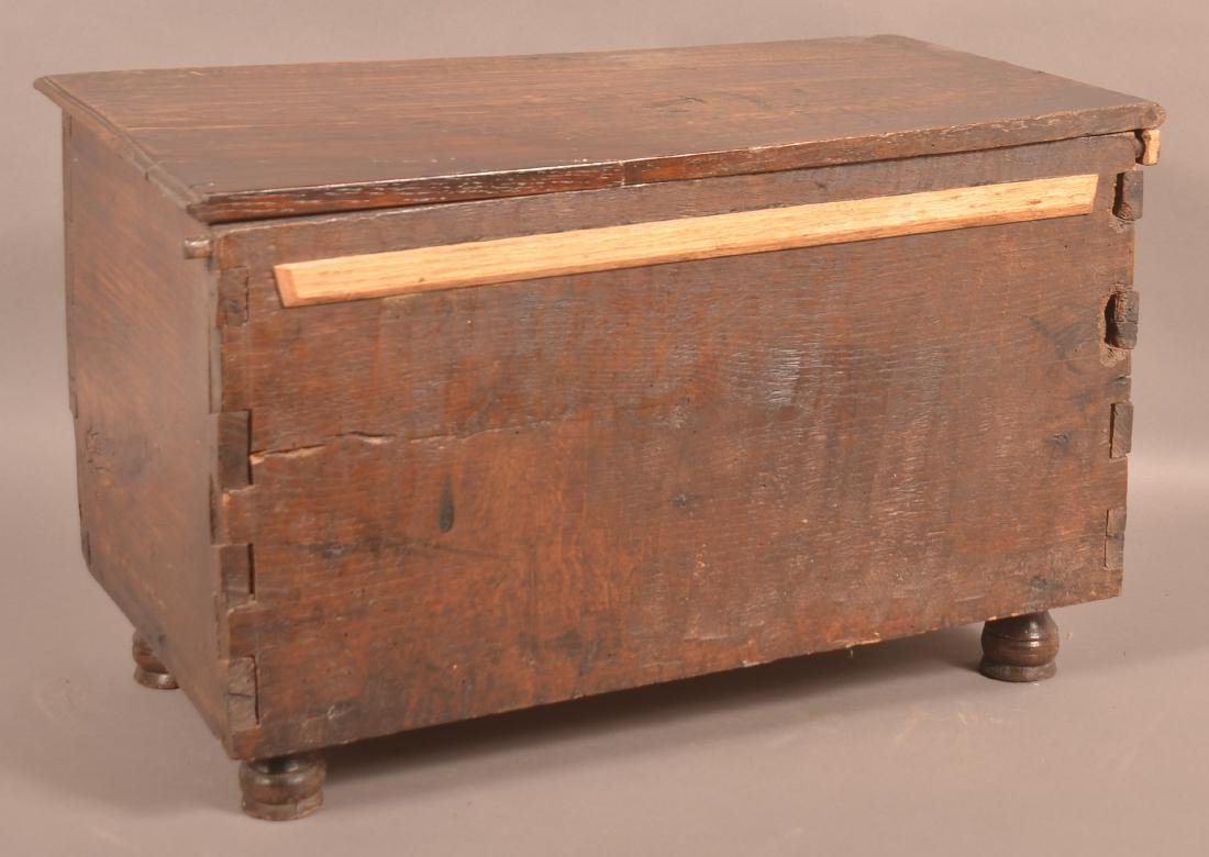 Continental 18th Century Oak Miniature Blanket Chest. - 3