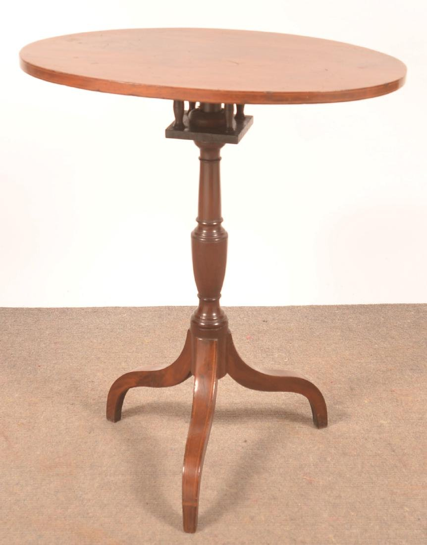 Federal Mahogany Line Inlaid Tilt-top Candlestand.