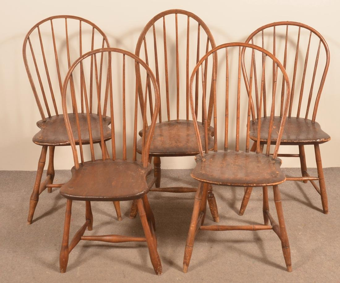 Assembled Set of Five Bow-Back Windsor Sidechairs.
