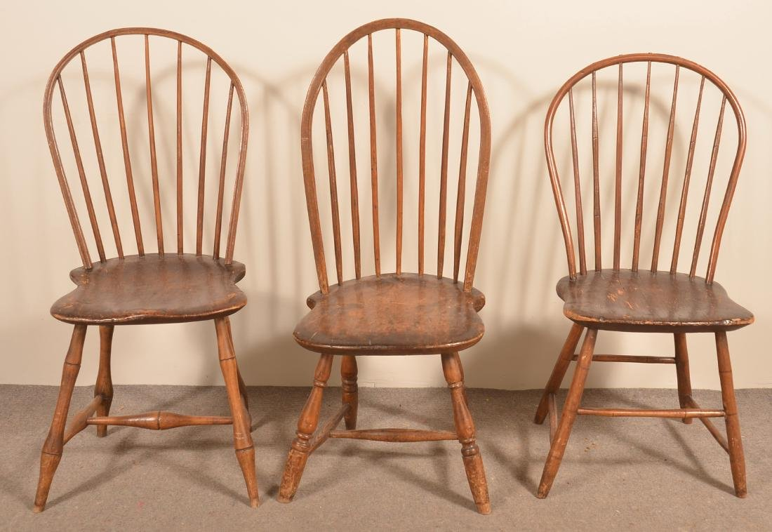 Assembled Set of Five Bow-Back Windsor Sidechairs. - 2