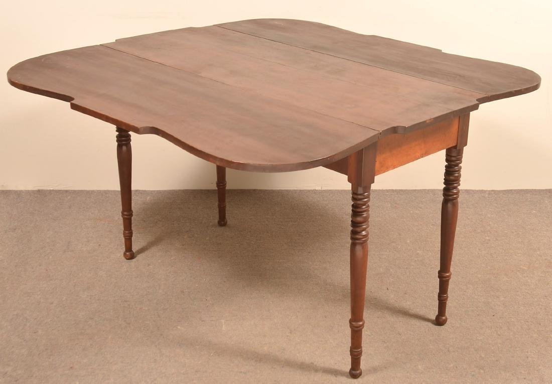 Pennsylvania Sheraton Cherry Drop-leaf Table. - 2