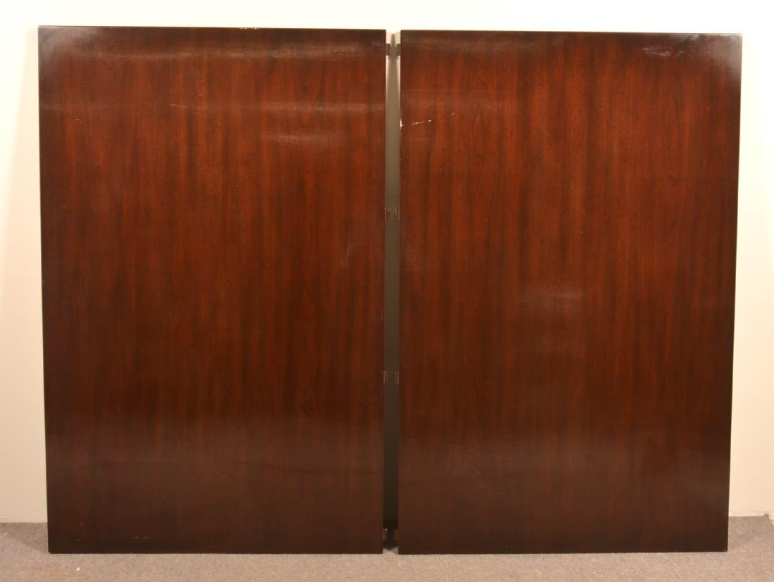 Very Large Mahogany Federal Style Banquet Table. - 4