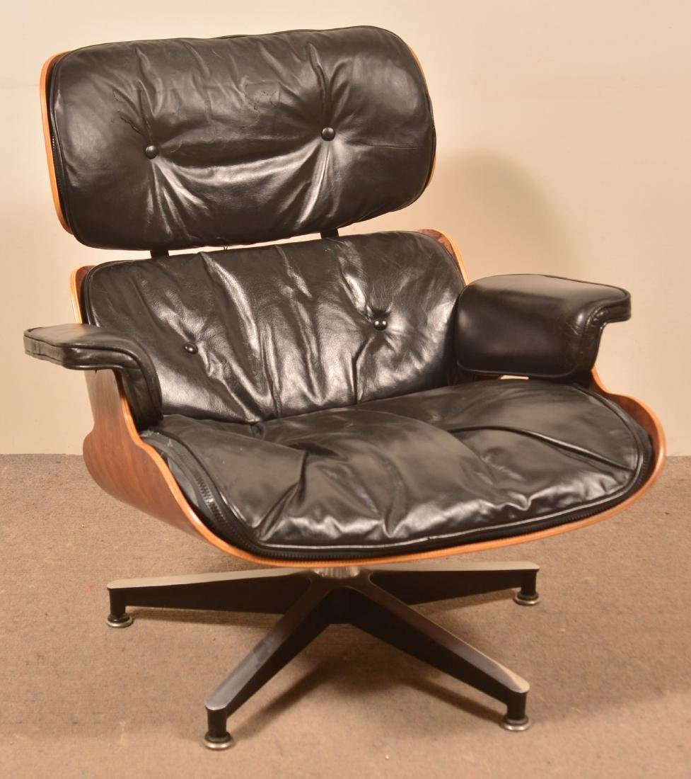 Herman Miller Mid Century Modern Eames Armchair.