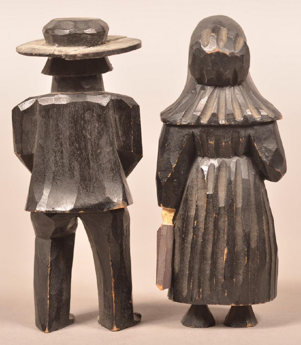 Pair of Amish Figures Attr. to the Jail Carvers. - 2