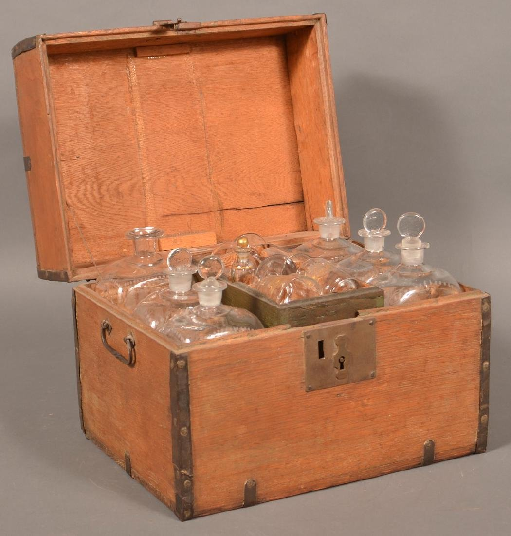 19th Century Oak Case Liquor Casket. - 6
