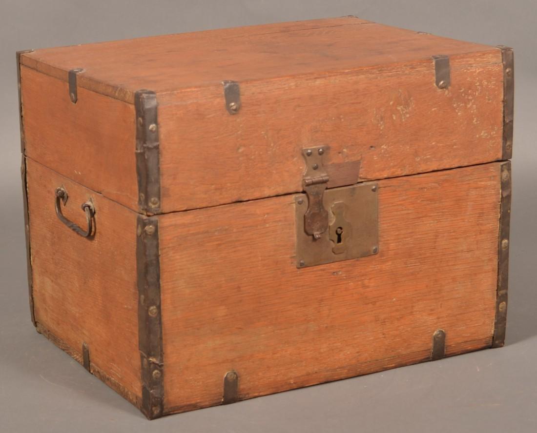 19th Century Oak Case Liquor Casket. - 7