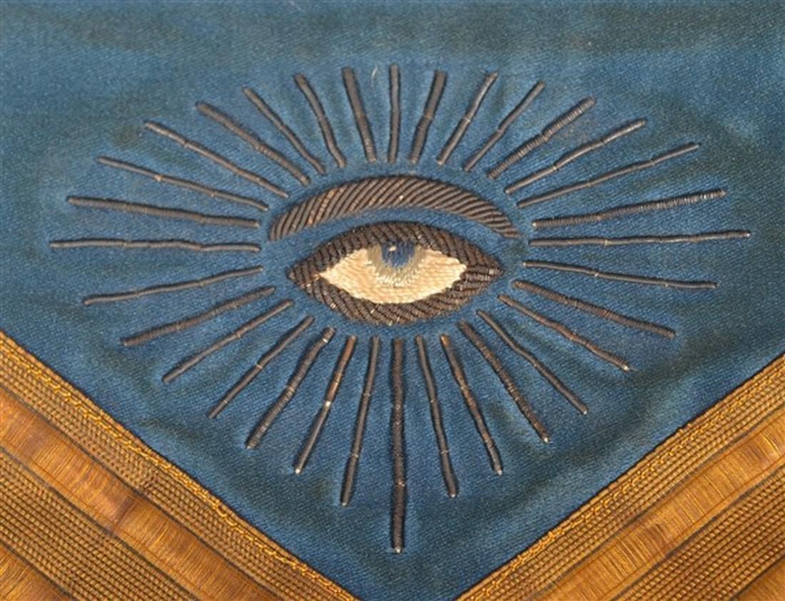 1929 Masonic Gilt Thread Needlework Silk Apron. - 3