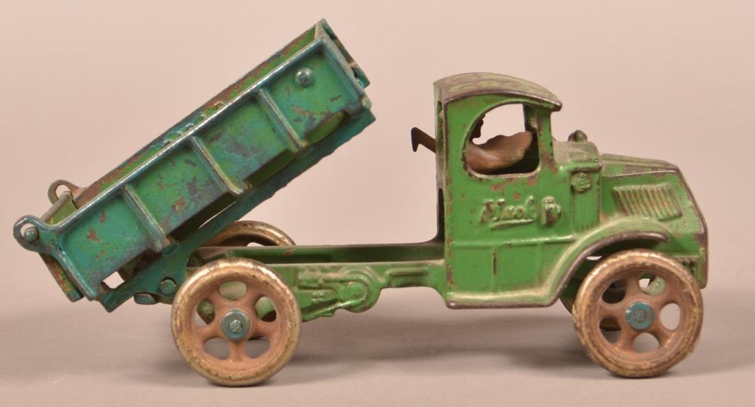 Arcade Cast Iron Mack Dump Truck. - 3