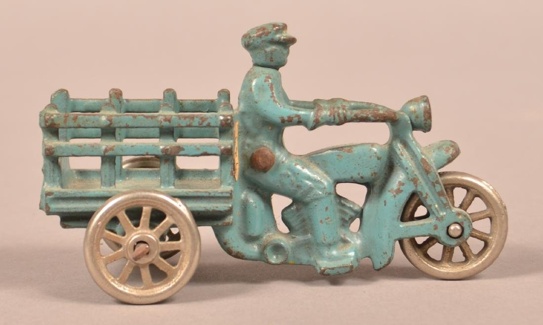 Hubley Cast Iron Motorcycle with Stake Body. - 3