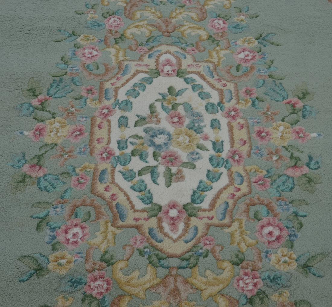 Modern Floral Pattern Wool Room Size Rug. - 2