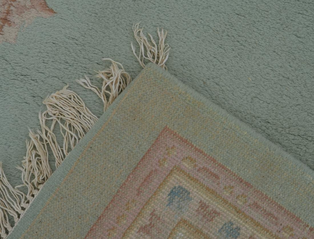 Modern Floral Pattern Wool Room Size Rug. - 4