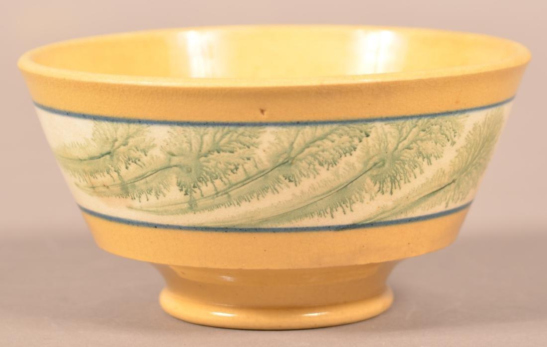 Small Yellowware Bowl w/ Seaweed Decoration. - 3