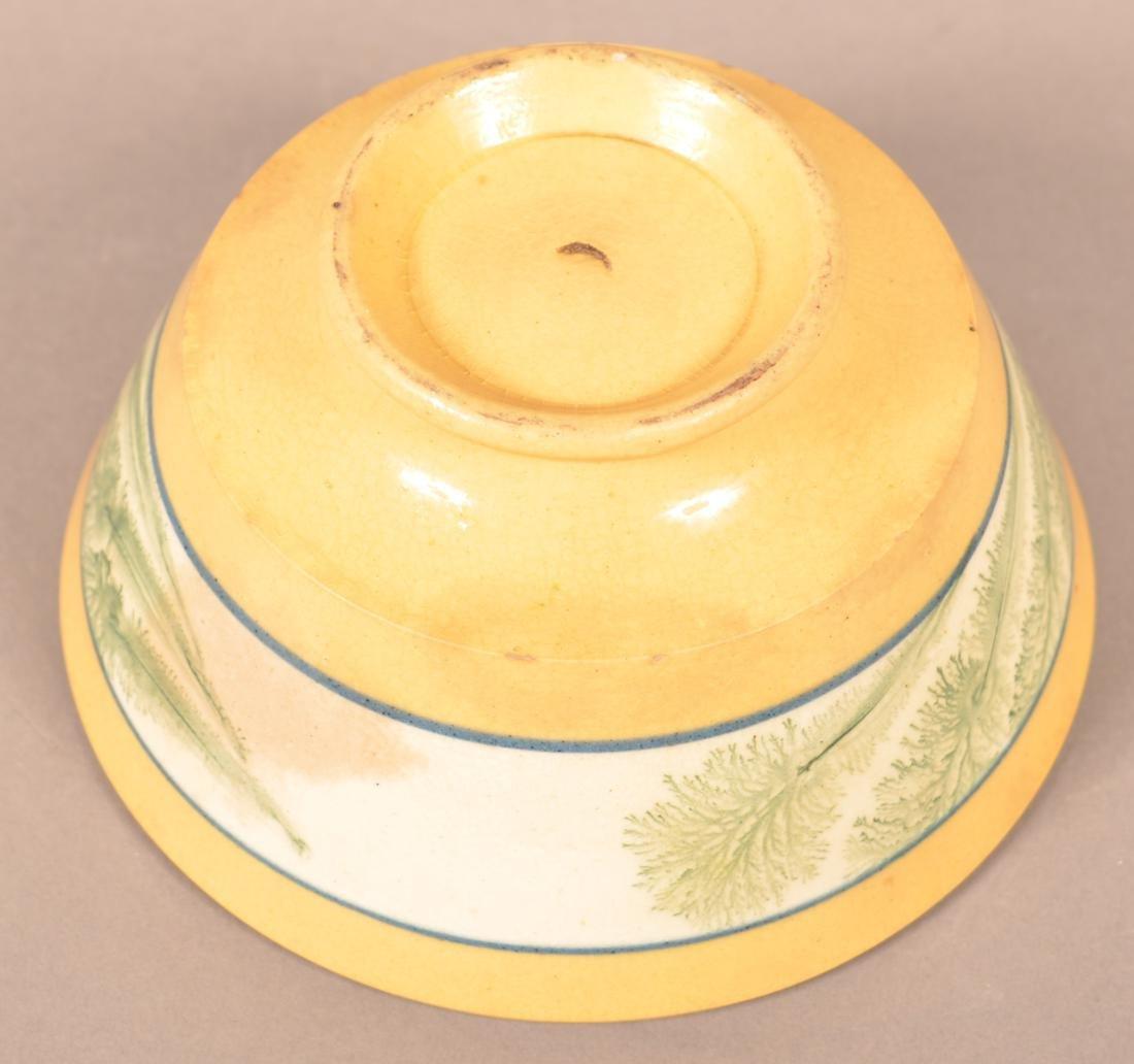 Small Yellowware Bowl w/ Seaweed Decoration. - 4
