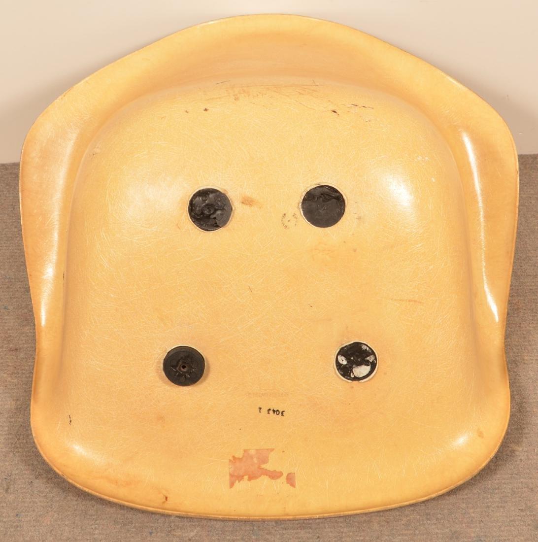 Herman Miller Molded Fiberglass Chair. - 3