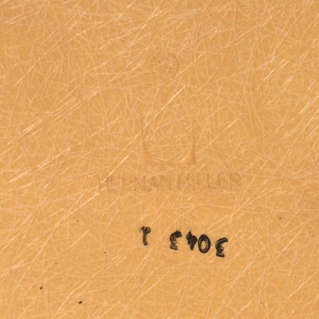Herman Miller Molded Fiberglass Chair. - 4