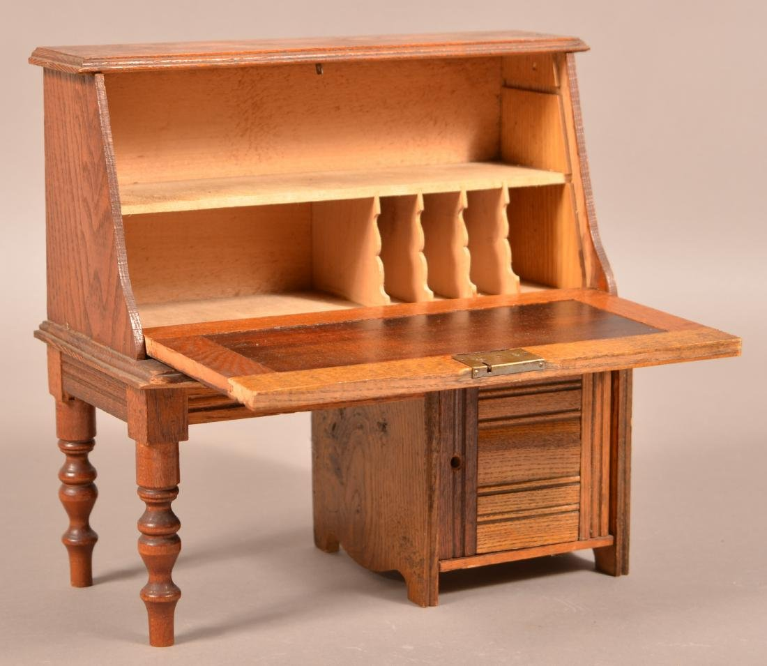 Antique Oak Miniature Fall-Front Desk. - 2