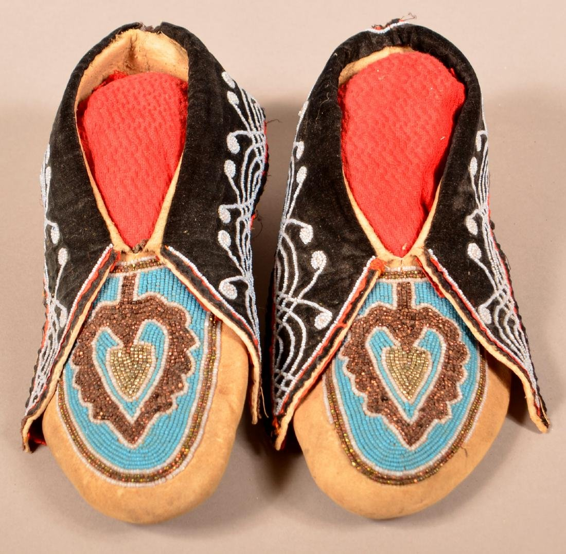 """Pair of Antique Delaware Indian Moccasins 10 1/2"""" Long"""