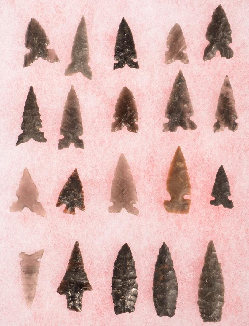 20 Fine Ancient Obsidian Arrow Points from the Western