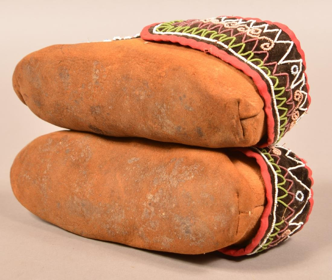 Antique Pair of Bead Decorated Mohawk Moccasins - 4