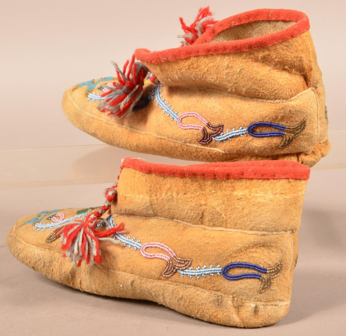 Pair of Vintage Athabascan Indian Beaded Moosehide - 3