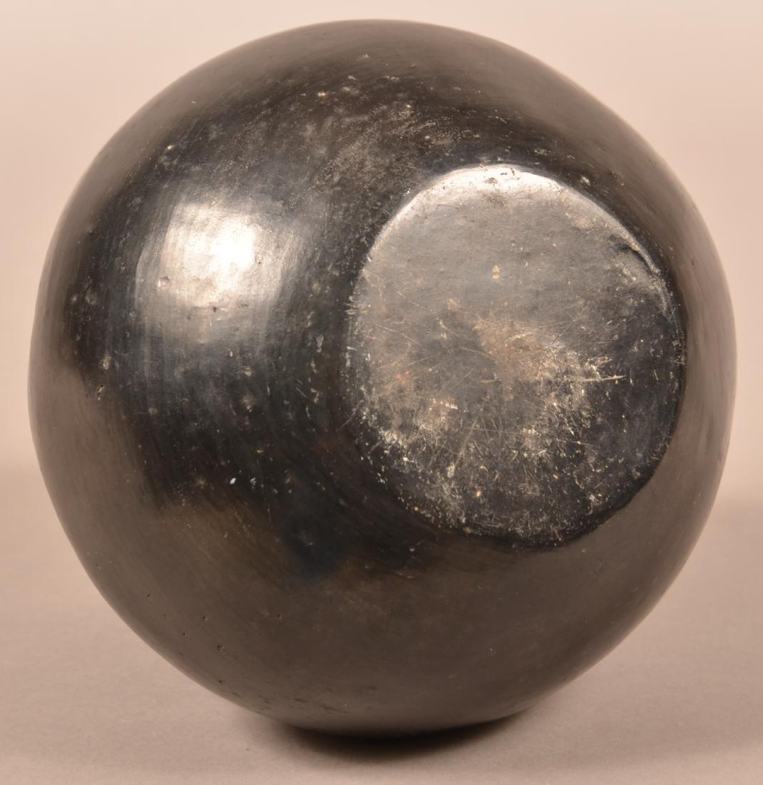 Vintage, Unsigned, Santa Clara Pueblo Blackware Pottery - 3