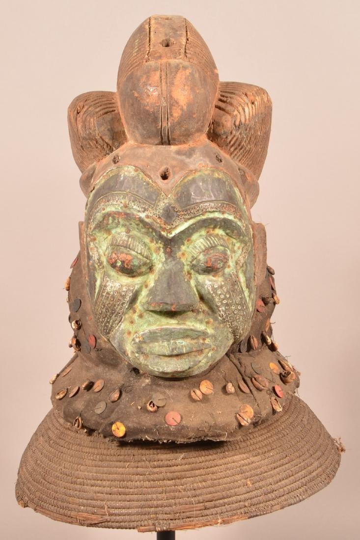 Antique/Vintage African Carved Wood Tribal Mask.